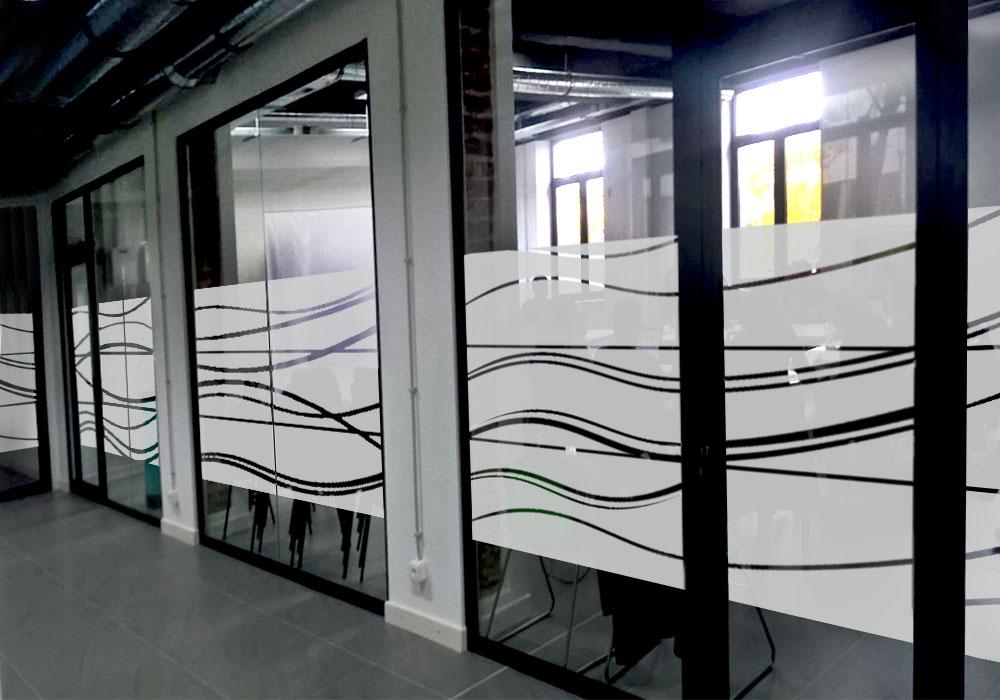 Брандиране с пясъкоструйно фолио на офис Cleantech Bulgaria